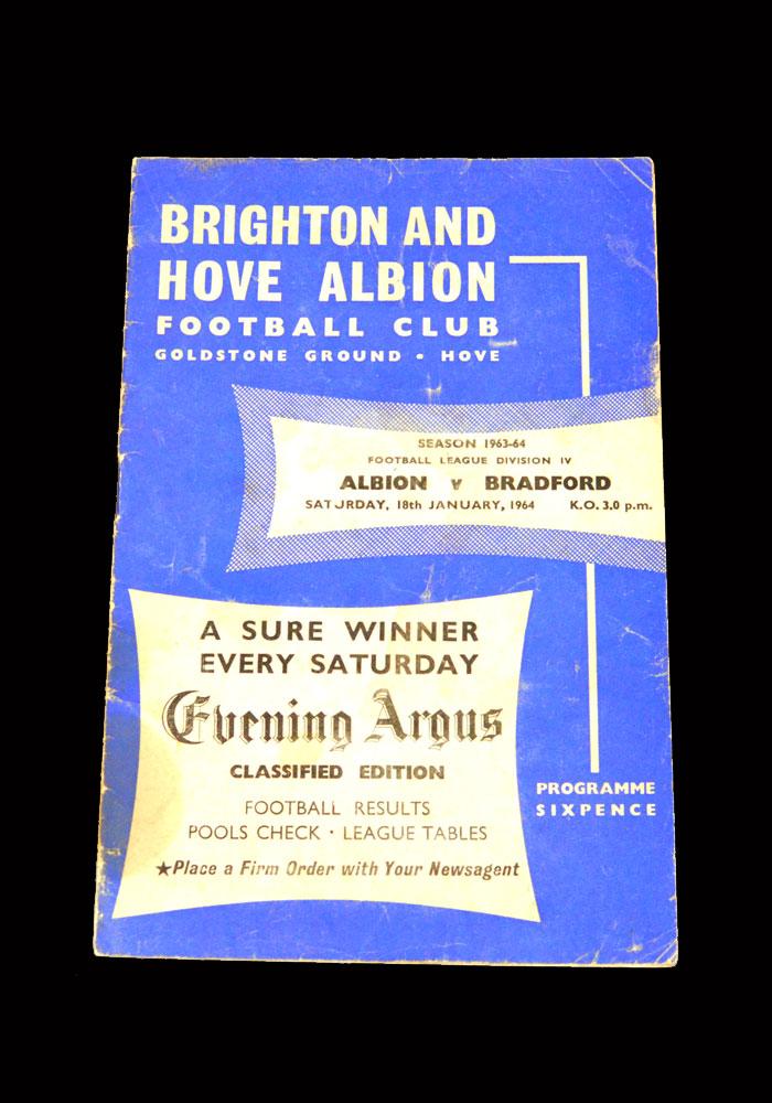 Bradford Park Avenue 1963-1964 - 10 Footballs