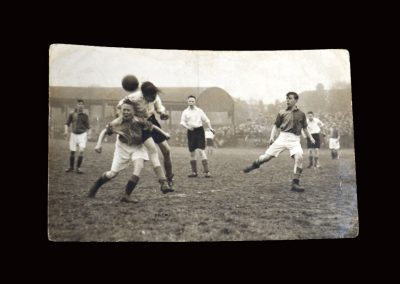 Stockton v Stockport 29.04.1946 semi final - Alf hoping for a knock down
